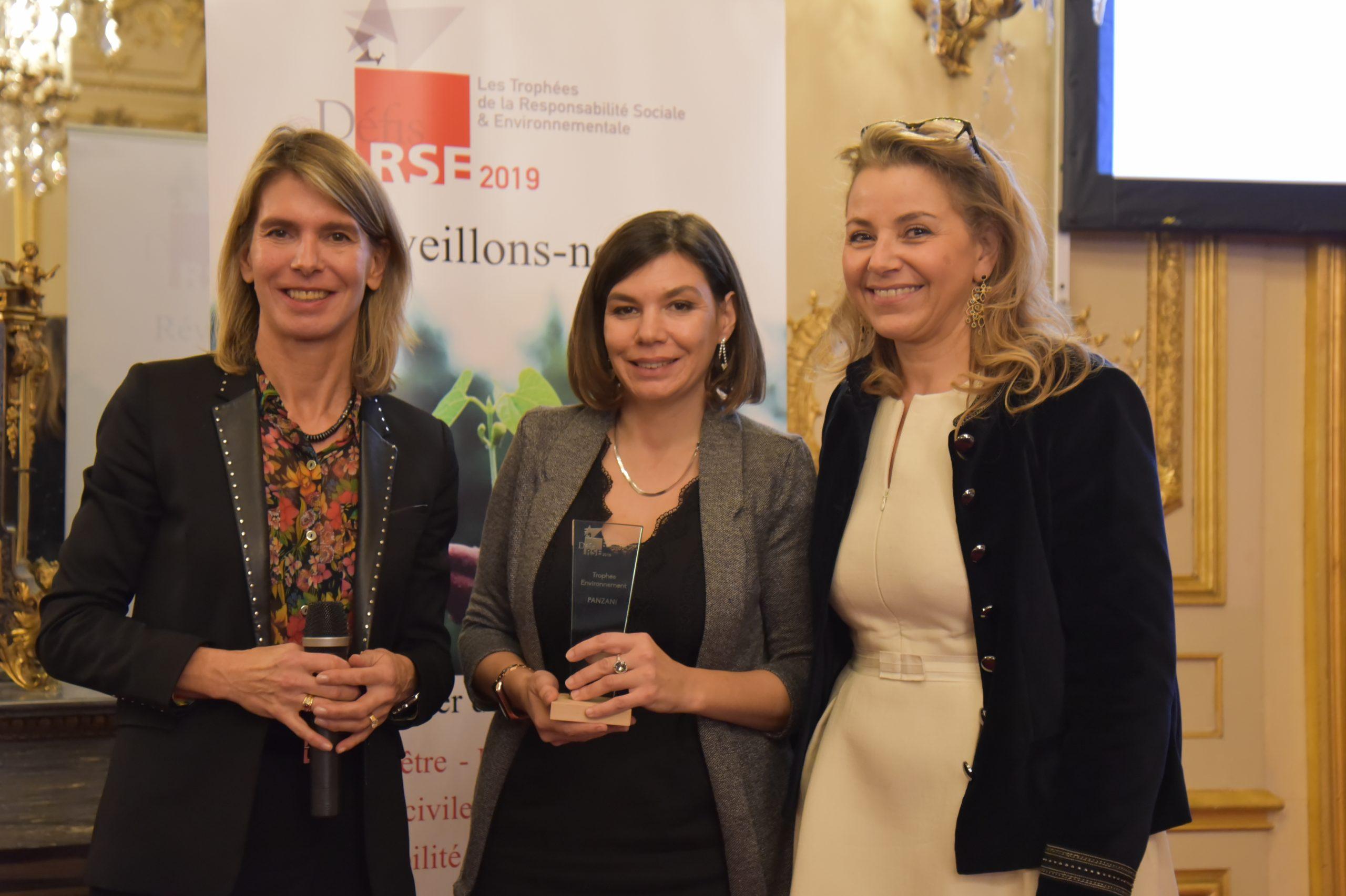 Trophée Défis RSE 2019 Environnement – Remettant : Laurence Pessez, BNP Paribas – Lauréat : PANZANI, Stéphanie Moreau